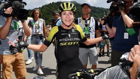 Annemiek van Vleuten celebrates victory