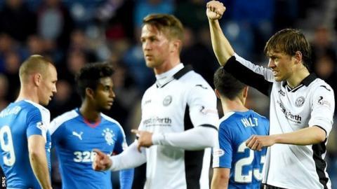St Johnstone's Murray Davidson (right) celebrates against Rangers