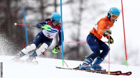 Menna Fitzpatrick and her guide Jen Kehoe in action at the Paralympicd