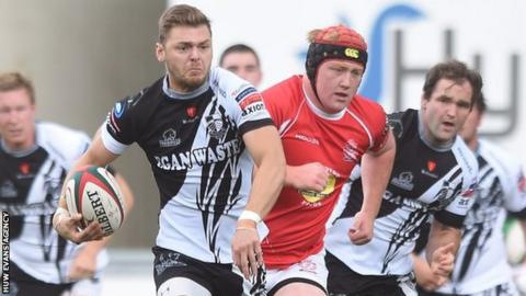 Alex Webber heads for rugby union's first six point try