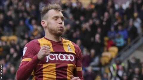 Bradford City react swiftly to Wyke's switch to Sunderland