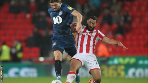 Cameron Carter-Vickers (right) makes a tackle