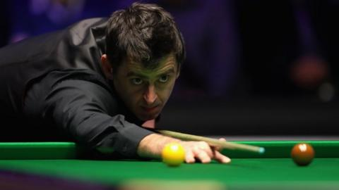 Champion Selby faces Perry while O'Sullivan plays Maguire at Worlds