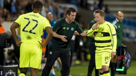 Celtic manager Ronny Deila speaks to his players during the defeat by Malmo