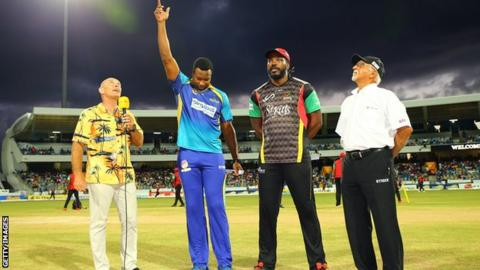Barbados Tridents captain Kieron Pollard (second left) and St Kitts and Nevis Patriots skipper Chris Gayle (second from right)