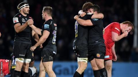 Exeter celebrate beating Saracens
