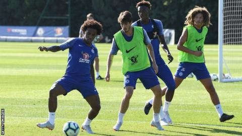 Sarri 'very confident' Willian will stay - but is less sure about Courtois
