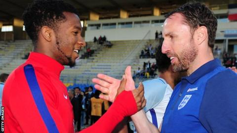 Gareth Southgate congratulates his players at the Toulon Tournament