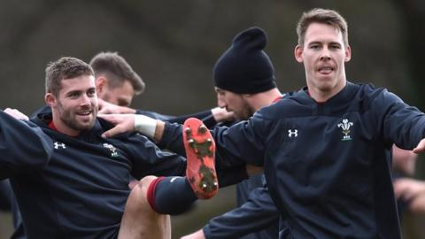 Leigh Halfpenny and Liam Williams in Wales training