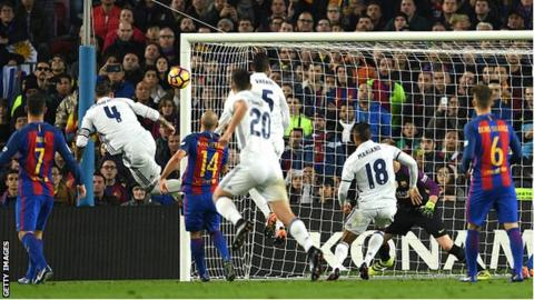 Sergio Ramos scores equalises against Barcelona