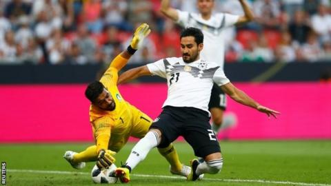 Mats Hummels criticises Germany fans for booing Ilkay Gundogan