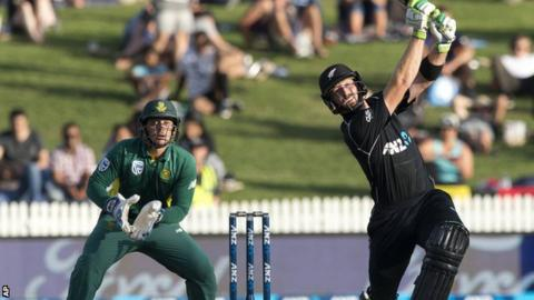 Martin Guptill hits out against South Africa
