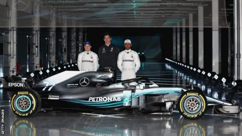 Hamilton in buoyant mood ahead of season opener in Melbourne