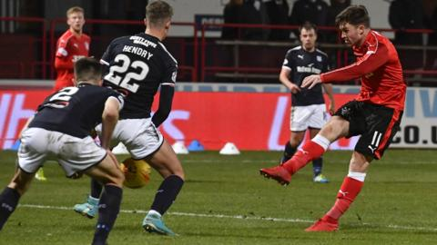 Josh Windass fires in the equaliser for Rangers