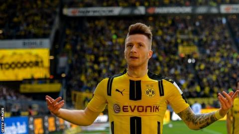 Reus extends Dortmund contract to 2023