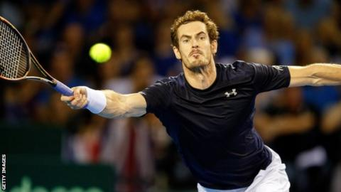 Andy Murray stretches for a forehand