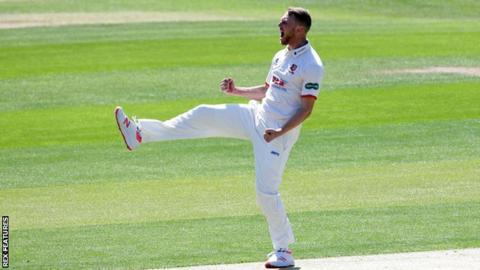 Essex pace bowler Jamie Porter