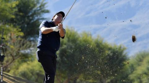 Long pips Mickelson to victory at the Deset Classic