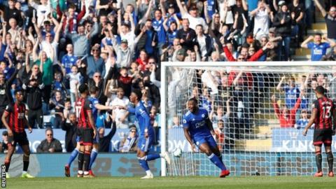 Wes Morgan celebrates goal