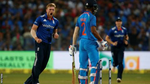 David Willey (left) could still feature in England's Twenty20 series in India in despite injuring his shoulder