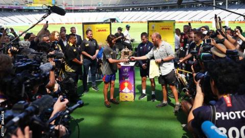 Nigel Owens receives whistle for the first game of Rugby World Cup