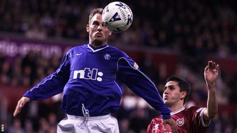 Ronald de Boer playing for Rangers against Hearts