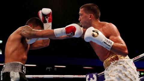 Lee Selby lands a punch