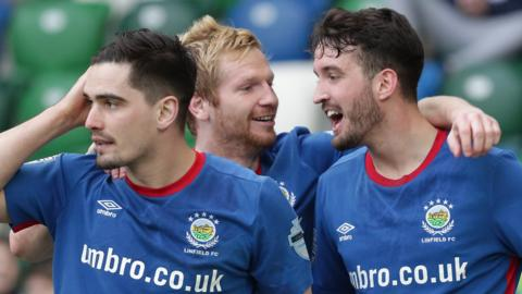 Linfield beat Ballymena United in the top-two match