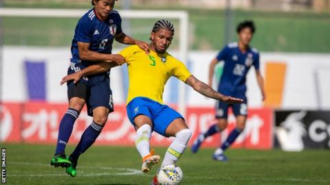 Villa spending goes on as Douglas Luiz signs from City