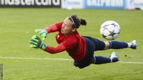 Pauline Peyraud-Magnin in training for Lyon