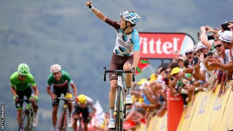 Tour de France 2017  Chris Froome loses yellow jersey as Romain ... f4063eb8f