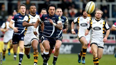 Denny Solomona scored a hat-trick in the first half.