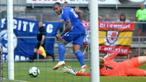 Striker Kenneth Zohore came close to snatching a winner for Cardiff City