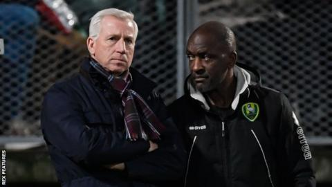 Alan Pardew (left) and Chris Powell