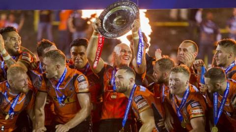 Castleford players celebrate League Leaders' Shield victory