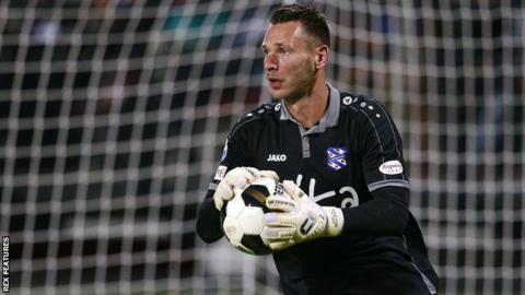 New Swansea goalkeeper Erwin Mulder has played for Feyenoord, Excelsior and Heerenveen in his native Netherlands