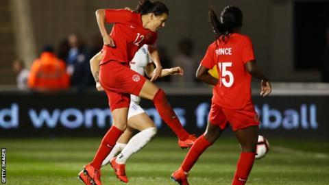 Christine Sinclair scores for Canada