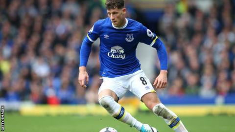 Chelsea to sign Barkley from Everton for £15m