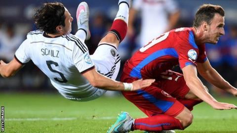 Germany draw with Czech Republic