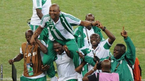 Stephen Keshi celebrates winning the 2013 Africa Cup of Nations