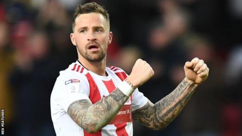 Rangers sign Sunderland goalkeeper Jon McLaughlin on two-year deal