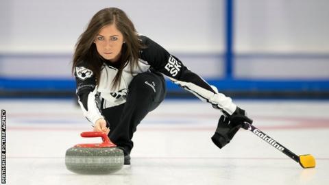 Eve Muirhead curling