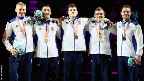Frank Baines, Hamish Carter, Kelvin Cham, Daniel Purvis and David Weir with their bronze medals