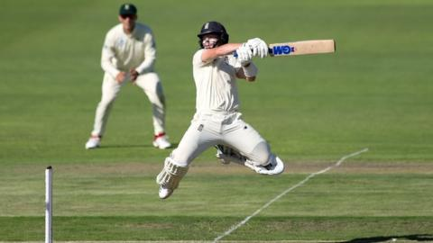 Stokes and Pope give England the threshold on day one thumbnail