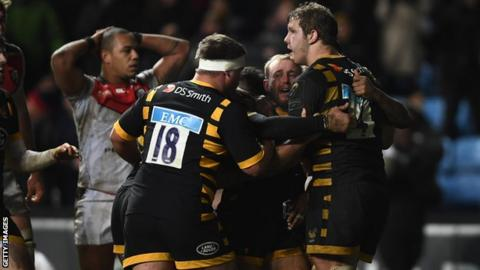 Wasps score a late try