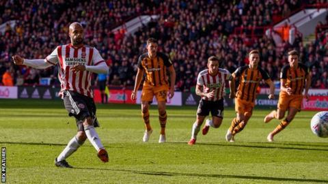 David McGoldrick scores for Sheffield United against Hull