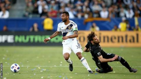 Ashley Cole released by Los Angeles Galaxy