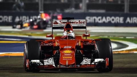 Sebastian Vettel drives at the 2015 Singapore Grand Prix