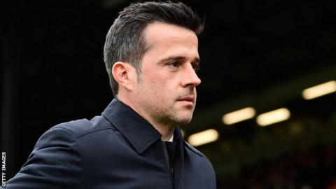 Silva not ruling out Europe as Everton breeze past Burnley