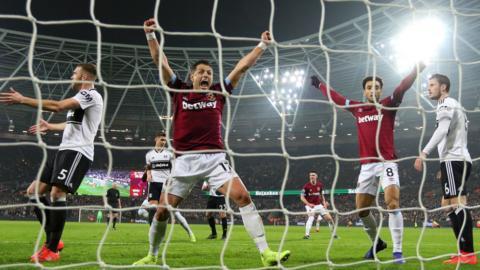 Javier Hernandez celebrates